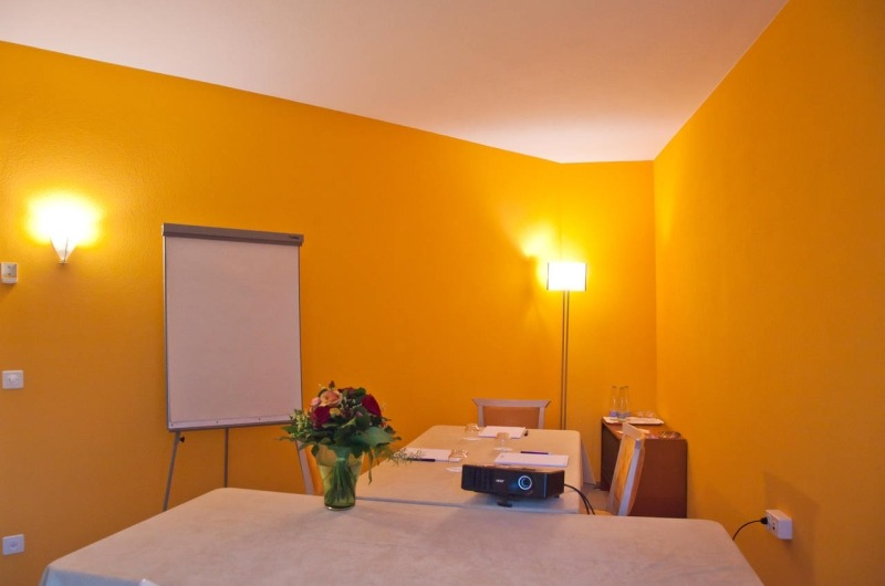 Single Working Space close to lake Lugano - 1