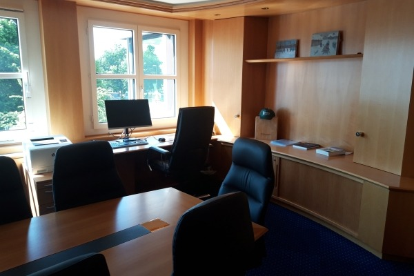 Comfy Office & Meeting room - 4